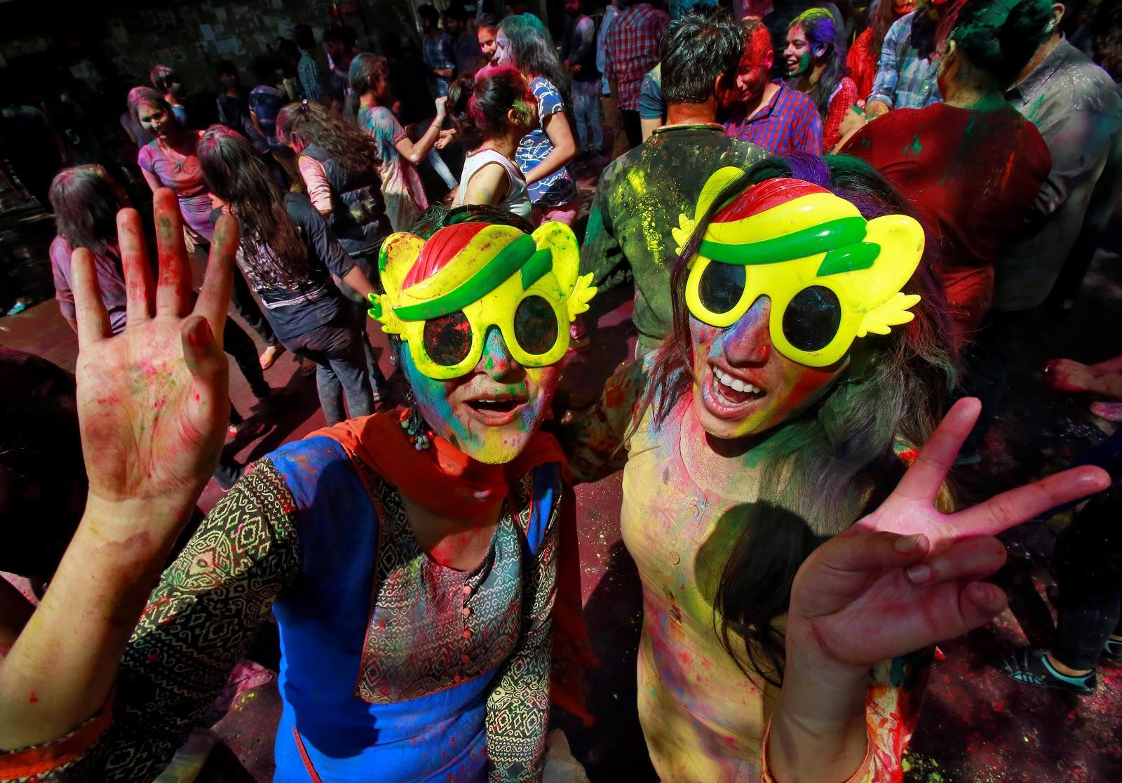 مهرجان هولي للألوان فى الهند