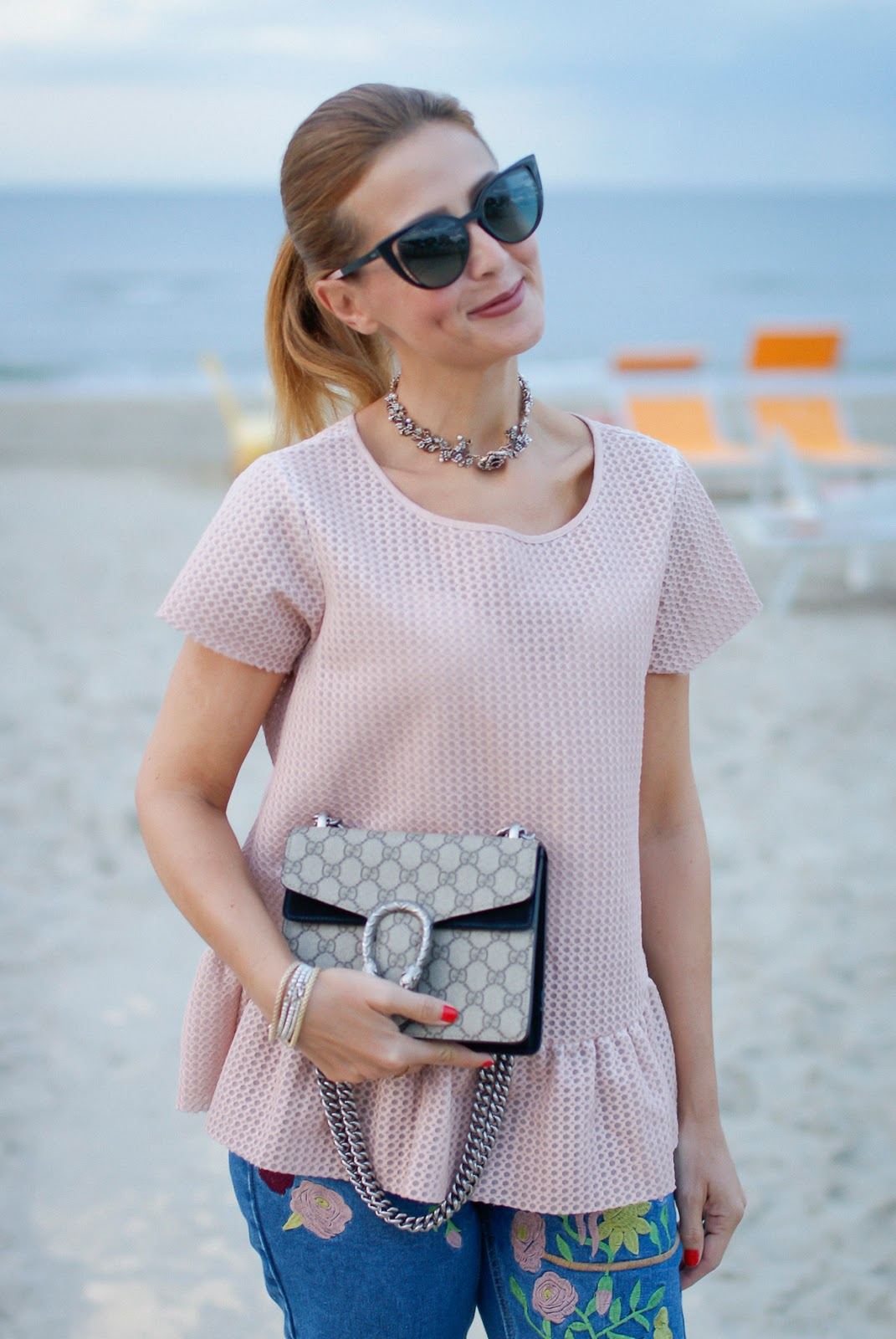 Zara chocker and Gucci mini Dionysus bag on Fashion and Cookies fashion blog, fashion blogger style