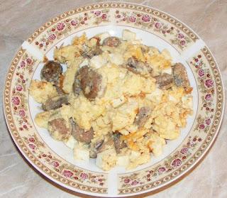 omleta, omleta pufoasa, omleta cu branza, retete culinare, retete de mancare, mic dejun, omleta de casa, omleta cu carnat, retete cu carnati, retete cu oua,