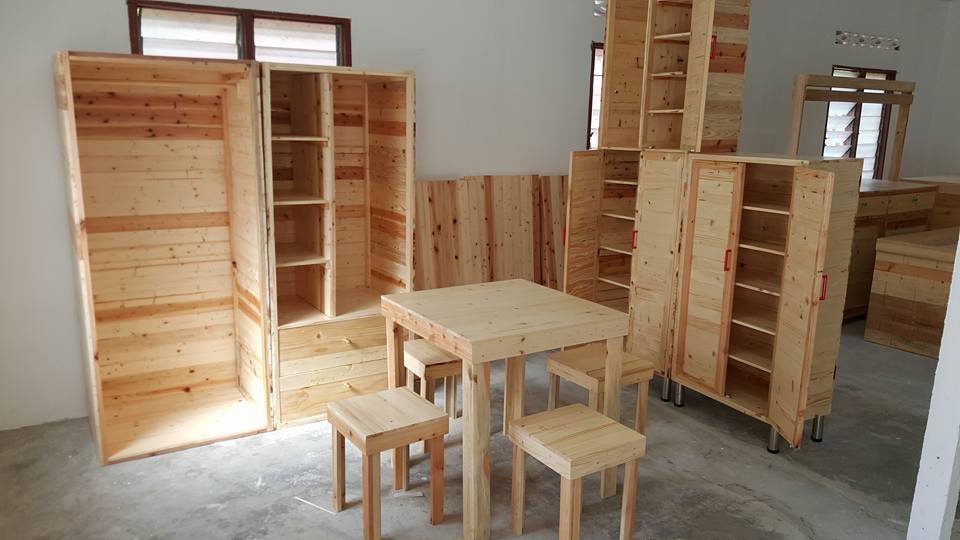 Alhamdulillah Masuk Hari Ini Telah Banyak Yang Menempah Kayu Pine Perabut Seperti Anda Lihat Diatas Barang Customer Kami Tempah Siap