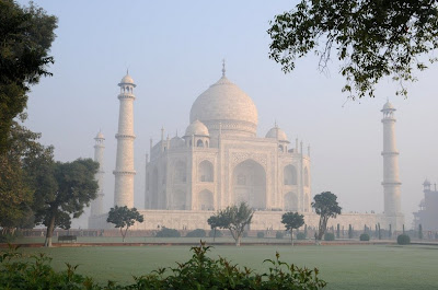 Taj-Mahal-Morning-Wallpaper