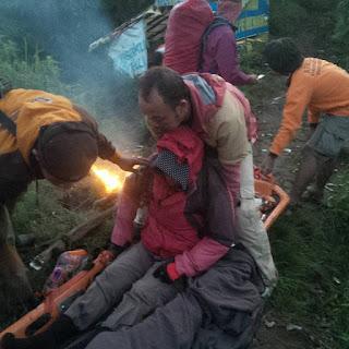 Di Duga Hipotermia Saat Mendaki Lawu, Sri Jayanti dievakuasi