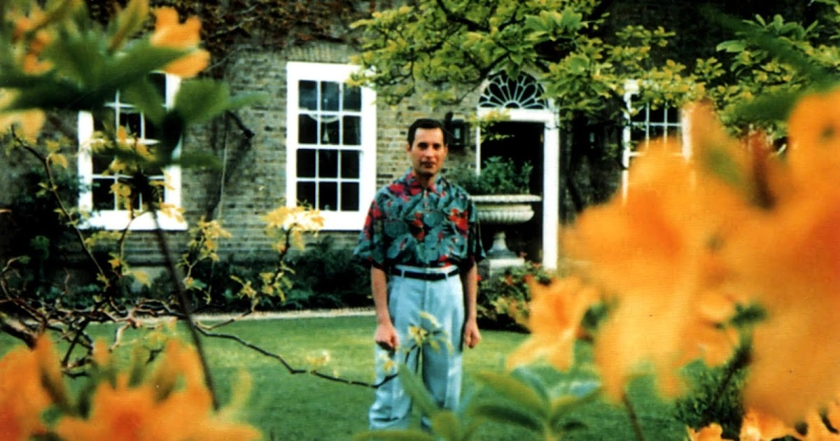 The Last Known Photos of Freddie Mercury, 1991 ~ Vintage ...