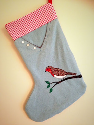 http://halcyonthreads.blogspot.co.uk/2014/11/tutorial-christmas-stocking-from.html