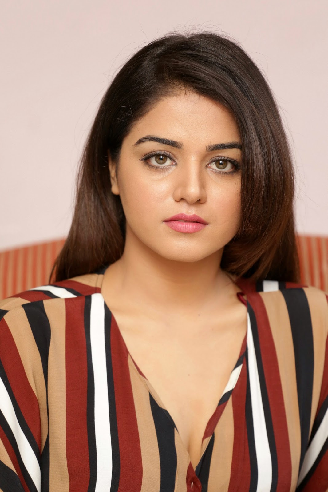 beauty galore hd : wamiqa gabbi most beautiful punjabi actress very