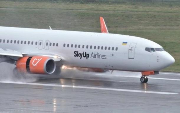 Українці знову застрягли в єгипетському аеропорту