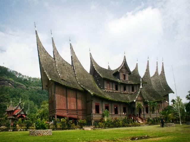 7 Places To Visit Around Bukittinggi