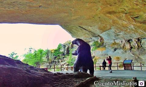 Chile - Puerto Natales, Cueva del Milodón