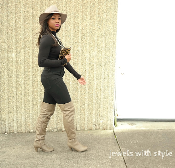 jeans and a t shirt, all black outfit ideas, h&m hat, leopard clutch, brown over the knee boots, how to wear a wool hat, how to wear a turtleneck, turtleneck outfit ideas, H&M turtleneck, over the knee boots outfit ideas, jewels with style, black style blogger, black fashion blogger, columbus ohio fashion blogger, statement necklace outfit