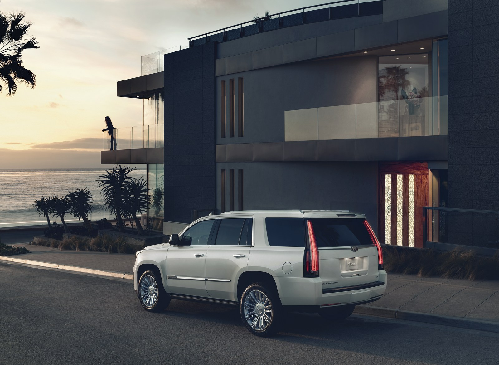 2020 Cadillac Escalade To Have An Independent Rear ...