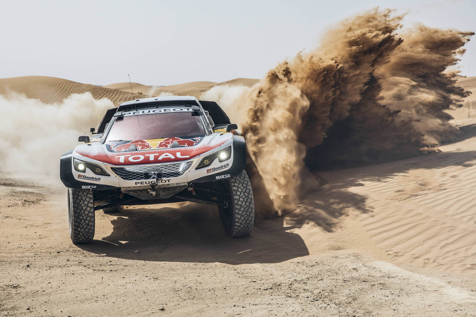 peugeot 39 s going for one more dakar win before it quits. Black Bedroom Furniture Sets. Home Design Ideas