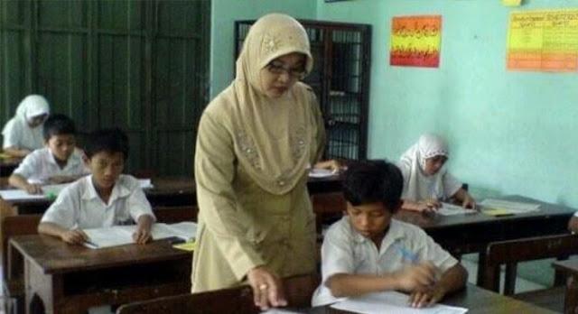Kasihan, Selain Diadukan ke Polisi. Guru SD di Subang Juga Dipinta Uang Rp 15 Juta Oleh Orang Tua Murid