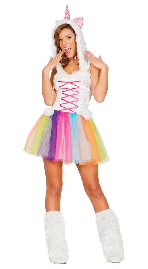 Chica disfrazada de unicornio con tutú de colores