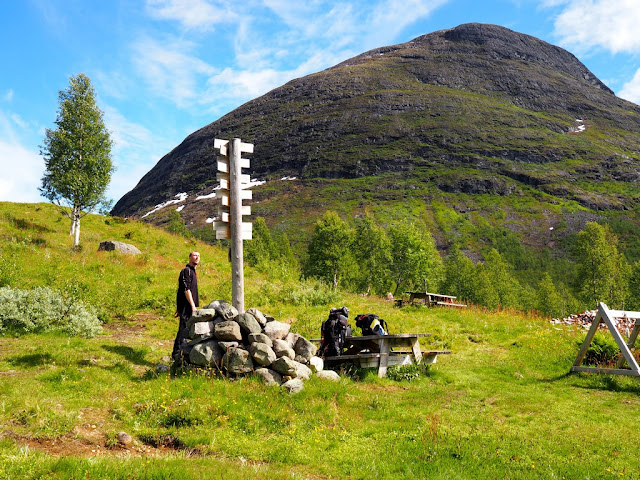 ukazatel, rozcestník, chata Skogadalsbøen, Norsko, Jotunheimen