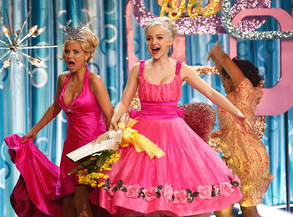 Amber y Velma, durante el número final de Hairspray Live!