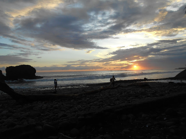 Playa El Tunco, El Salvador, travelsandmore, travel blog, blogger, travel