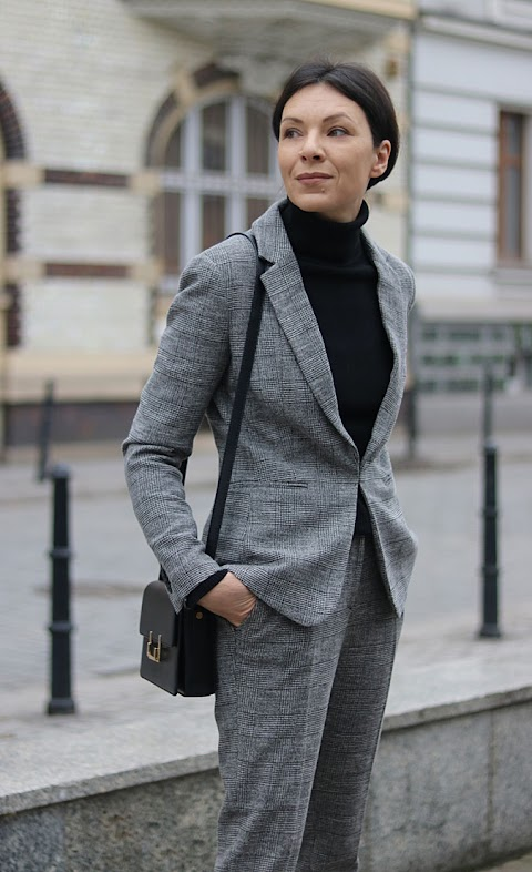 Minimalistyczny garnitur