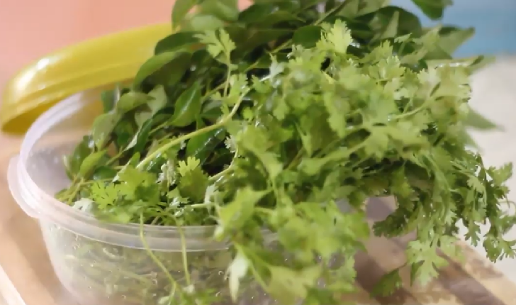 Keep kale and other greens fresh and crisp in the fridge by first washing them then rolling them in paper towels before placing them in a ziplock bag.