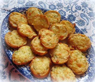 Toasted Cheese Rounds