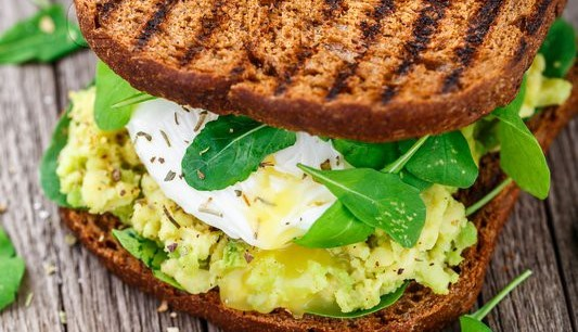 6sp - Avocado and Poached Egg Sandwich | Weight Watchers Recipes