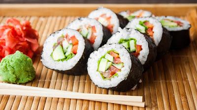 ¿Te gusta el sushi? Este parásito podría estar nadando en tu plato favorito