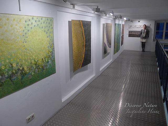Blick in die Quilt Ausstellung in der Galerie Quilt Et Textilkunst in München