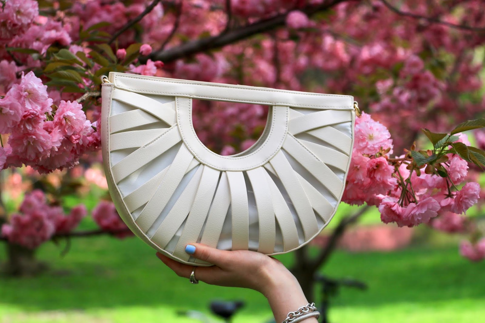 Nyc fashion blogger Kathleen Harper's white Anthropologie summer clutch