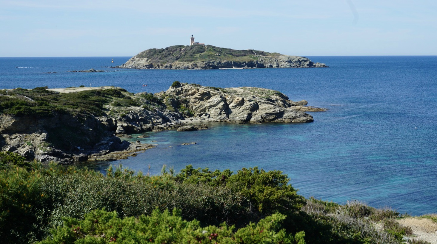 Ile du grand Rouveau seen from the Embiez coastal trail