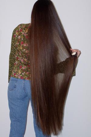 لماذا يفضل الرجال ذوات الشعر الطويل ؟؟!