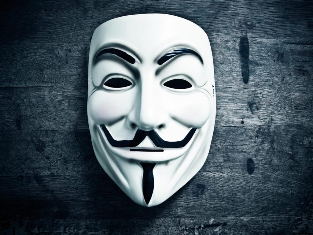 Amaran Kumpulan Hacker Anonymous