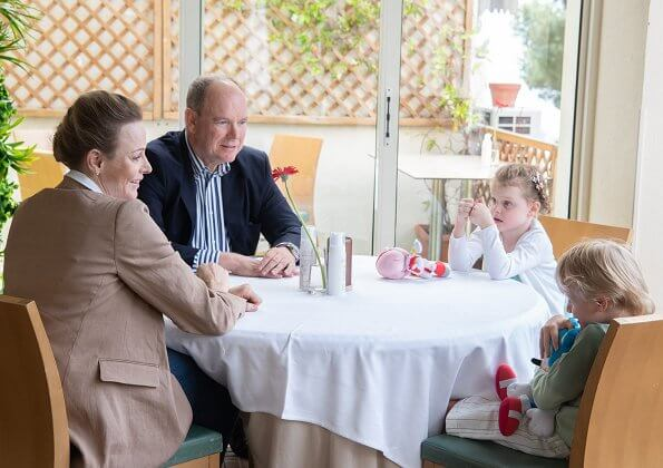 Prince Albert, Princess Charlene, Hereditary Prince Jacques and Princess Gabriella went to the Castelroc restaurant on Mother's Day