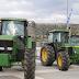 Κλούβες των ΜΑΤ - Ακινητοποίησαν τους αγρότες στον Ισθμό