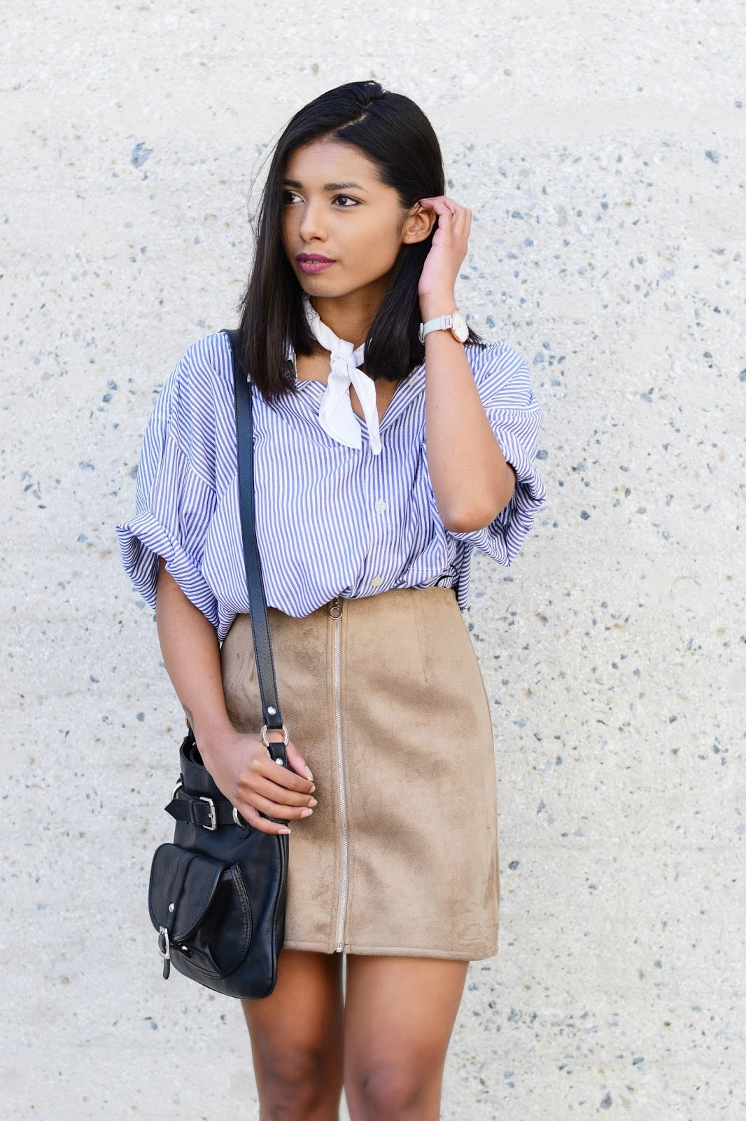 suede skirt outfit