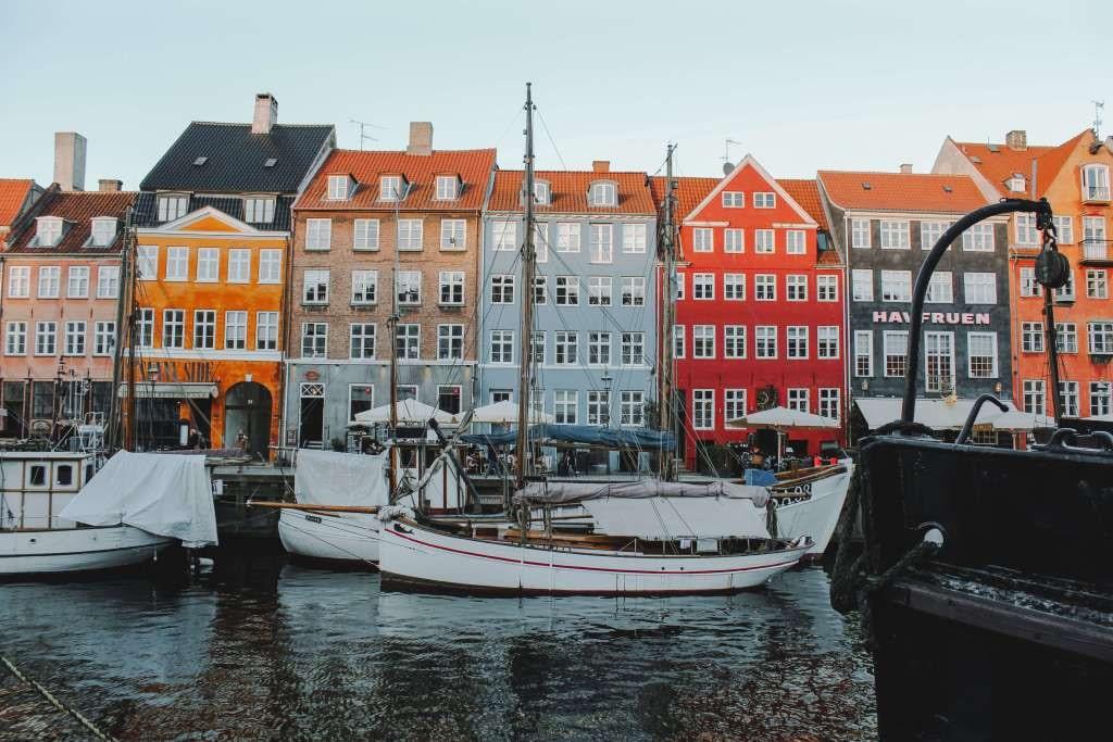 24 giờ trải nghiệm Copenhagen đầy sắc màu - Ảnh 1