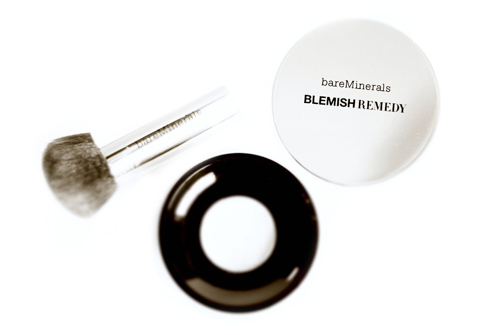bareminerals fond de teint blemish remedy fond de teint anti acné pinceau teint application zéro démarcation avis test photos avant après