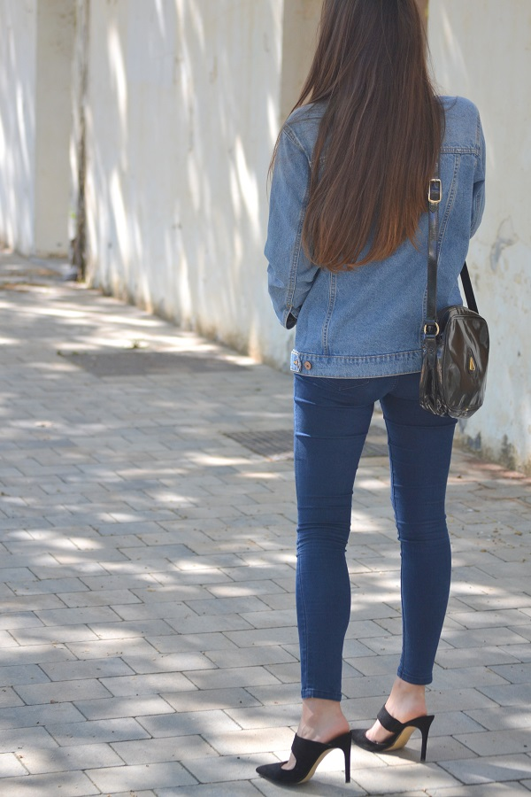 denim jacket, vintage purse, vintage bag, lara pasarin, Mango heels, skinny jeans
