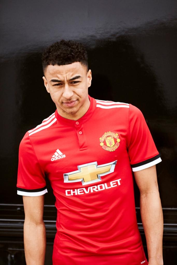 buy popular 73f0b 7e3a3 Setelah Jersey Tandang, Manchester United Luncurkan Versi ...