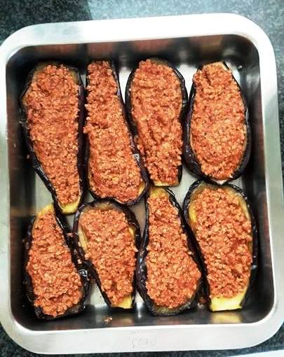 Fill hollows with meat sauce