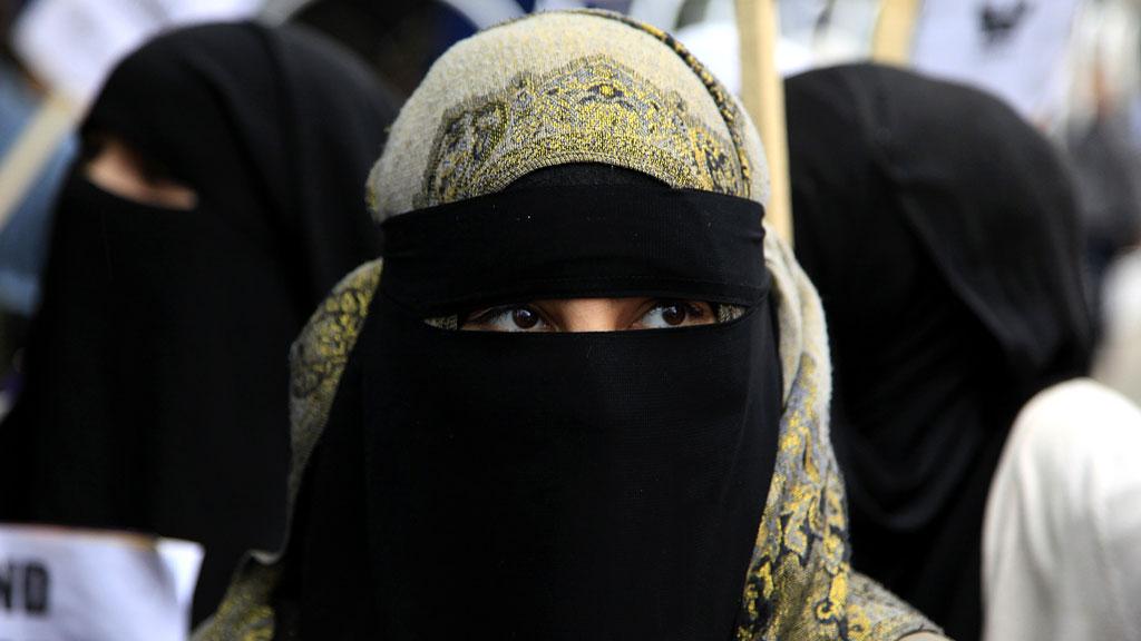 Tunisia Larang Pemakaian Cadar dan Niqab di Seluruh Kantor Pemerintah
