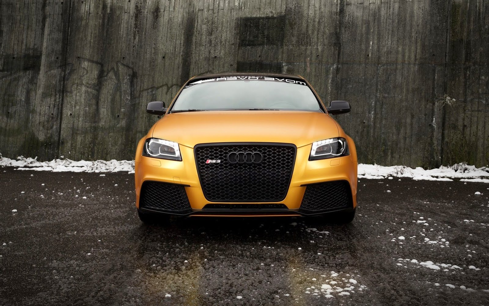 "<img src=""http://4.bp.blogspot.com/-OXaD4wohAVs/UzXULX9BAOI/AAAAAAAALQE/y6ZPM4cF6Rc/s1600/audi-cars-wallpaper.jpg"" alt=""Audi Wallpapers"" />"