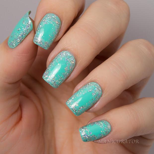 aqua silver flowers nails design