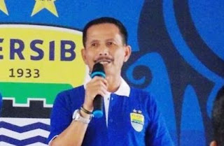 Gagal Menang atas Arema, Pelatih Persib Salahkan Rekor Buruk