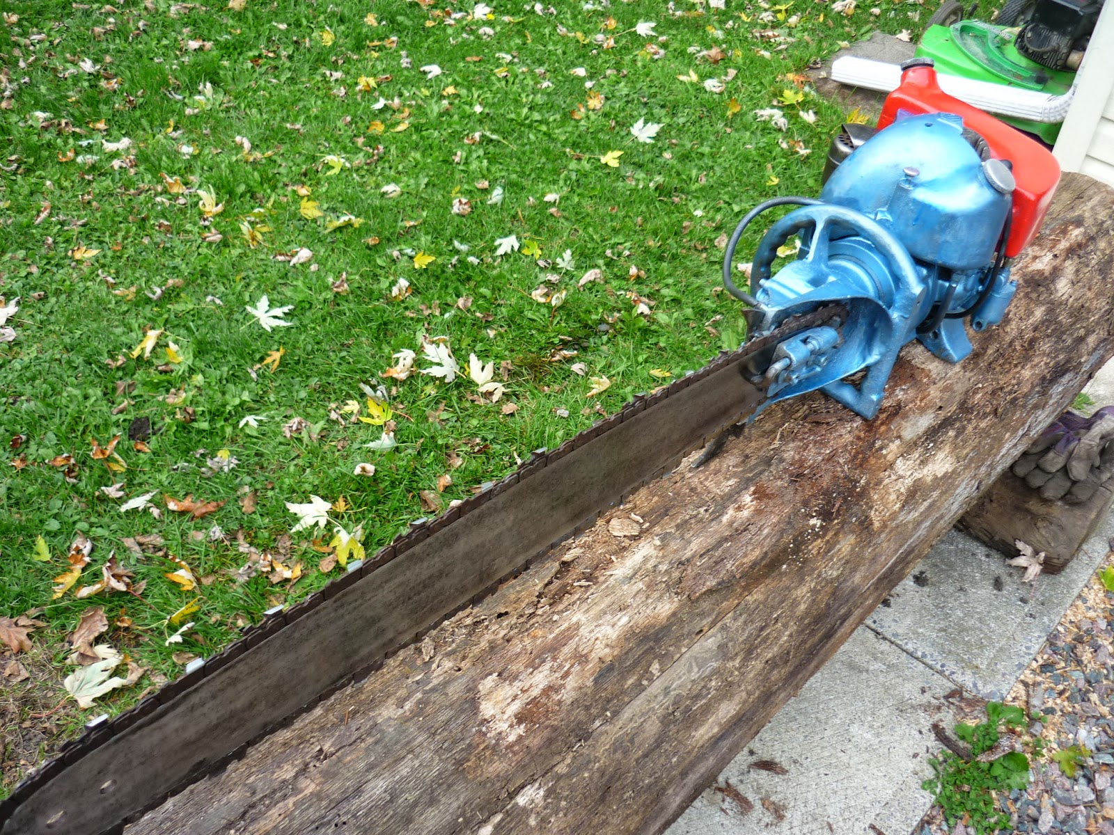 VINTAGE CHAINSAW COLLECTION: TITAN 60