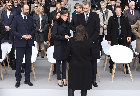 Queen Letizia wore Hugo Boss wool coat with fur collar
