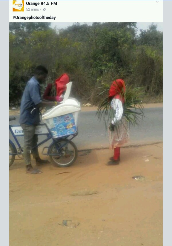 Masquerades Spotted Buying Ice Cream On The Road (Photos)1