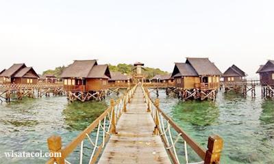 Cottage Apung (Floating Cottage)