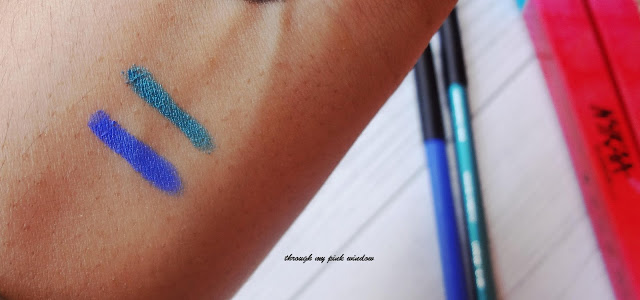 Nykaa GLAMOReyes Eye Pencils in Blue Hex 01 and Teal Spell 02 review, swatch and LOTD