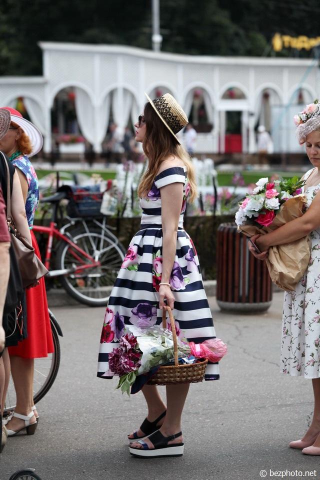 леди на велосипеде 2016 москва