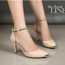 gambar sepatu high heels untuk remaja