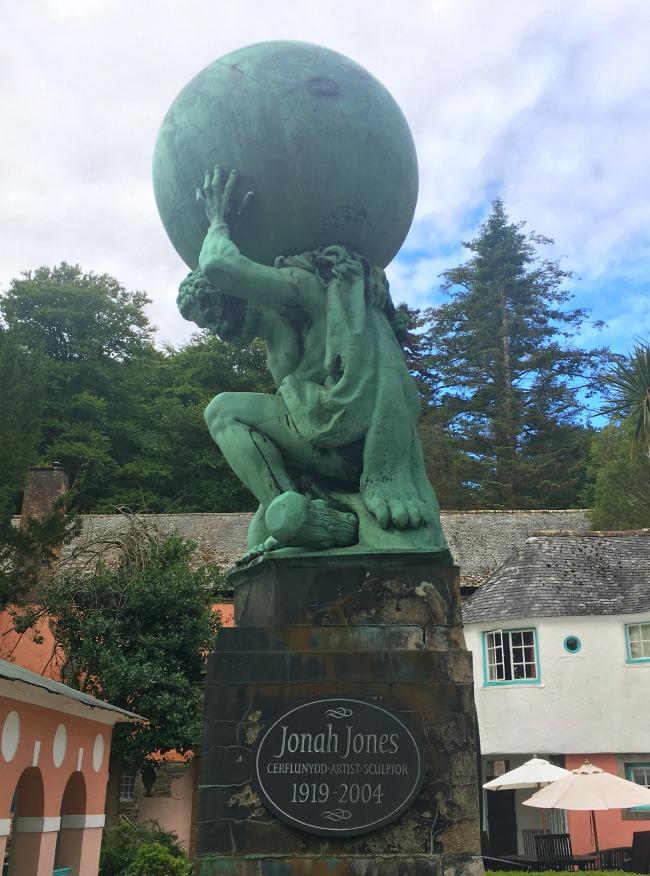 Portmeirion-Wales-hercules-statue